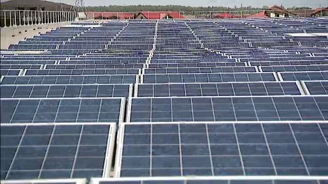 Oraselul din SUA care a refuzat panourile solare pe motiv ca ar absorbi toata energia soarelui