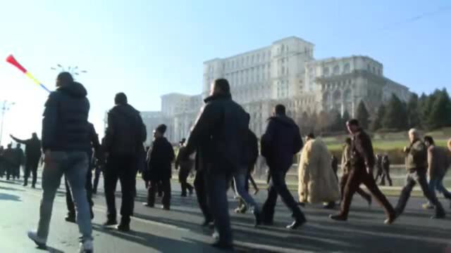 Ziua in care ciobanii au navalit in Palatul Parlamentului si i-au luat la rost pe alesi. Cum va fi modificata Legea Vanatorii - Imaginea 1