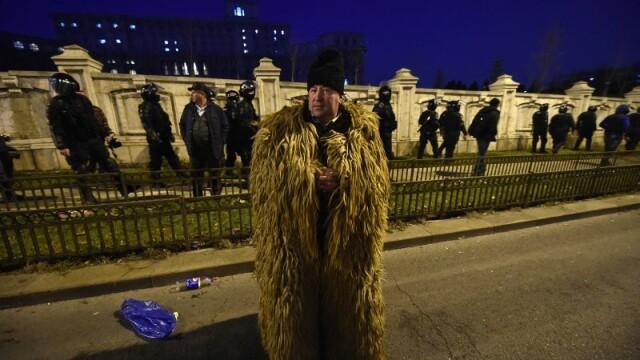 Ziua in care ciobanii au navalit in Palatul Parlamentului si i-au luat la rost pe alesi. Cum va fi modificata Legea Vanatorii - Imaginea 5