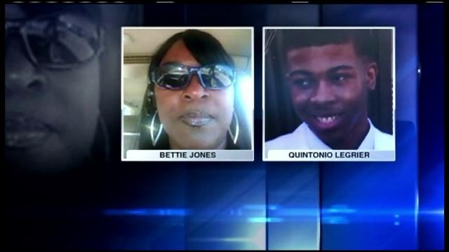 Scandal rasial in SUA dupa ce politistii au ucis un tanar de 19 ani si o mama a 5 copii. Autoritatile amana explicatiile