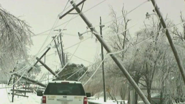 Iarna violenta in centrul SUA, cu ninsori, ploi inghetate si inundatii. 18 oameni au murit in statul Missouri