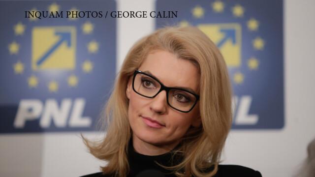 Alina Gorghiu face declaratii dupa publicarea exit poll-ului votului cu ocazia alegerilor paramentare