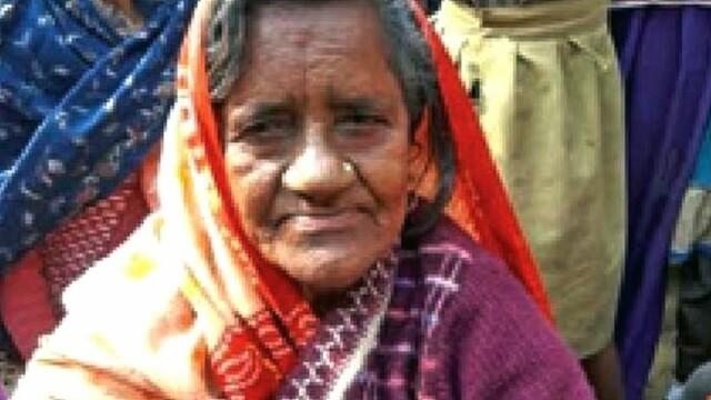 O femeie de 82 de ani \