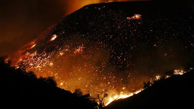 Incendii de vegetație în California