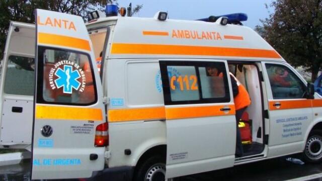 Echipaj de la Salvare, atacat cu toporul de un pacient agresiv, în Bihor
