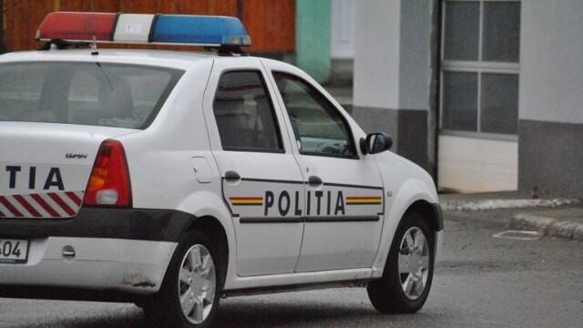 Bătaie într-un bar din Iași. Scandalagii au spart geamurile unei maşini de poliţie