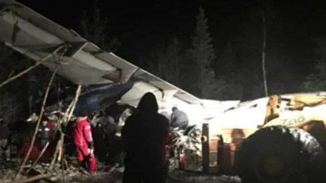 Avion cu 25 de persoane la bord, prăbușit în Canada. Mai mulți răniți