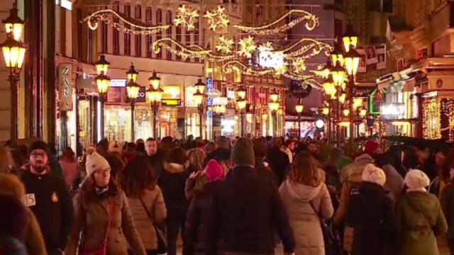 Budapesta, vizitată de 1 milion de turiști în preajma sărbătorilor. Preparatele de la Târgul de Crăciun
