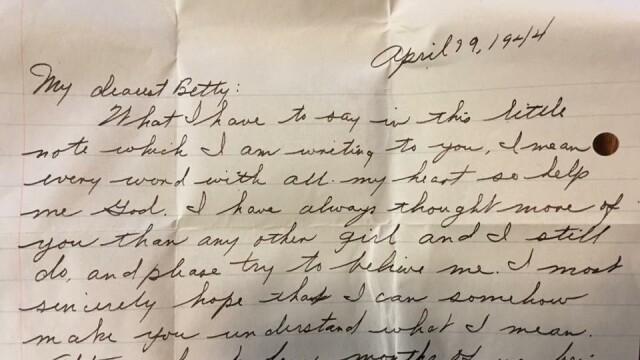 Misterul din spatele unei scrisori de dragoste, găsite în pereții unei case