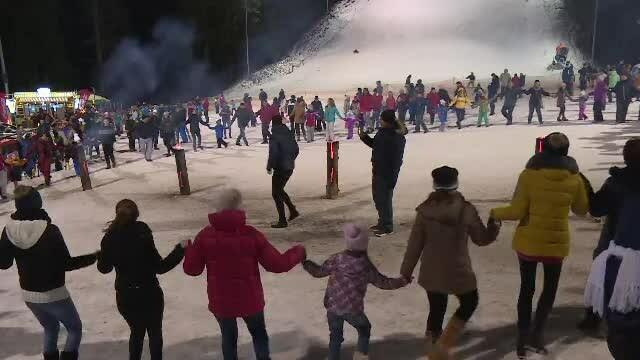Spectacol la deschideresea sezonului de ski, pe pârtia Kalinderu