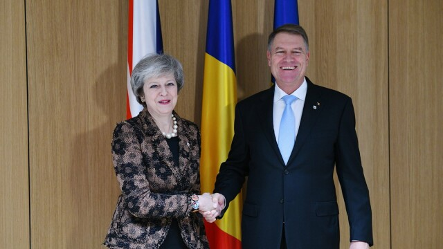Klaus Iohannis, Theresa May