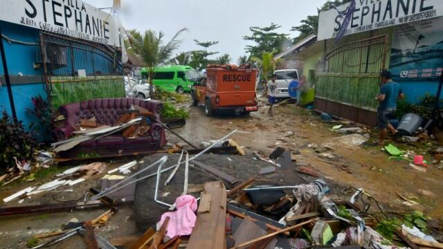 Indonezia, lovită de un tsunami devastator. Cel puțin 222 de morți și 843 de răniți - Imaginea 2