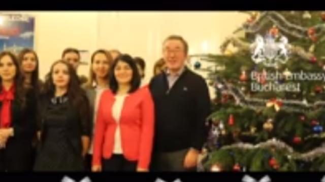 """VIDEO. Ambasadorul Marii Britanii la București cântă """"O, ce veste minunată"""" în limba română"""