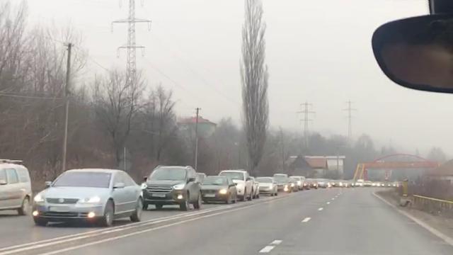 Trafic intens pe Valea Prahovei. Zonele în care se circulă în coloană