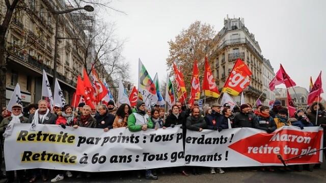 Haos în Franța. Un milion de oameni au ieșit pe străzi pentru a protesta față de noua reformă a pensiilor
