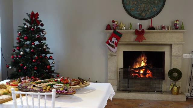 Cum au ajuns româncele să comande la restaurant mâncarea pentru masa de Crăciun - Imaginea 5