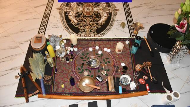 IMAGINI de la ședințele unde se consumau droguri ayahuasca. Ce ustensile se foloseau - Imaginea 7