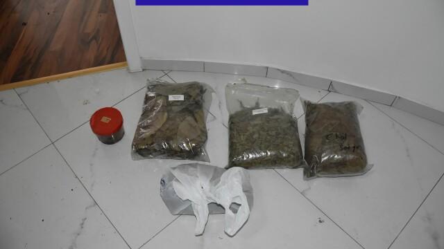 IMAGINI de la ședințele unde se consumau droguri ayahuasca. Ce ustensile se foloseau - Imaginea 4