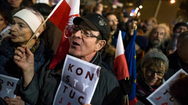 Proteste masive în Polonia. Mii de oameni, în stradă din cauza reformelor din justiție - Imaginea 2