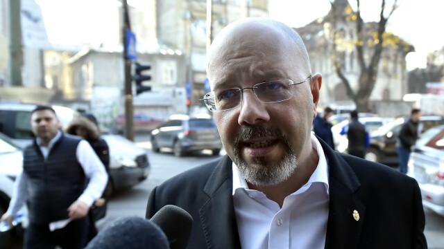 """Bădulescu, după audieri: """"#Rezist este creația dreptei, intervenția este creația stângii"""""""