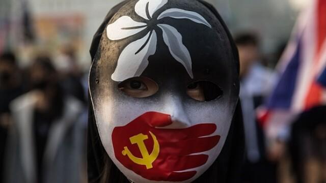Violențe în Hong Kong, după o manifestaţie în sprijinul uigurilor din China - Imaginea 7