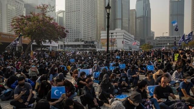 Violențe în Hong Kong, după o manifestaţie în sprijinul uigurilor din China - Imaginea 3