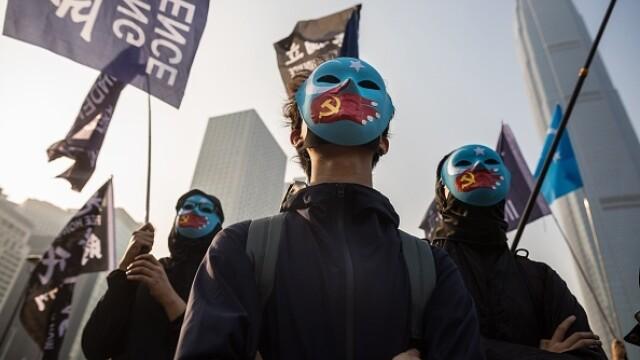 Violențe în Hong Kong, după o manifestaţie în sprijinul uigurilor din China - Imaginea 1