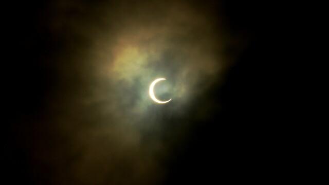 """""""Inel de foc"""" în jurul Lunii. O eclipsă de soare s-a produs în a 2-a zi de Crăciun. VIDEO - Imaginea 3"""