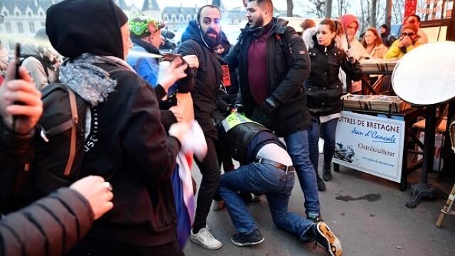 Protest violent în Paris. Vestele galbene s-au alăturat manifestanților. GALERIE FOTO - Imaginea 5