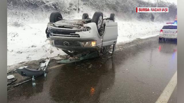 Val de accidente din cauza ninsorilor. Zonele în care mașinile au rămas blocate în nămeţi