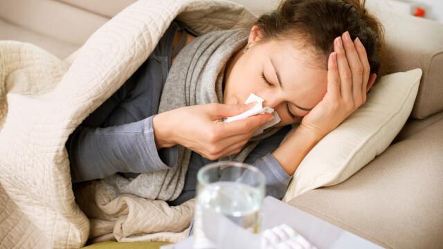 Cum te tratezi acasă dacă ai coronavirus. Greșeala făcută de mulți pacienți
