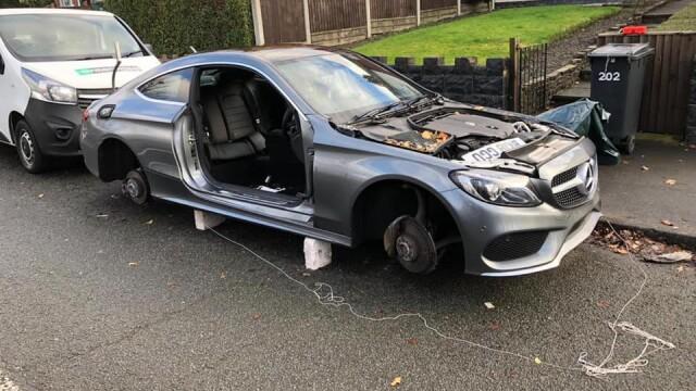 FOTO. Cum și-a găsit un șofer Mercedesul după ce l-a lăsat peste noapte în fața casei
