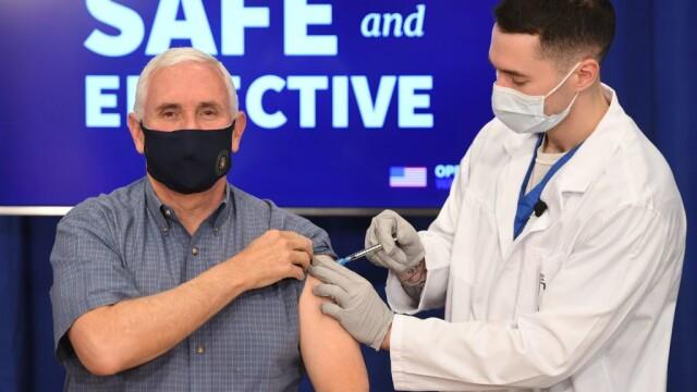 Vicepreședintele SUA Mike Pence s-a vaccinat anti-COVID în direct. Ce mesaj a vrut să le transmită americanilor
