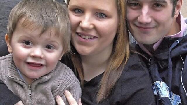 Asa da mama precoce! La 17 ani, gravida a doua oara. Acum cu tripleti!