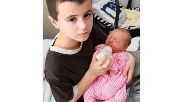 Copii cu copil... tatal are doar 13 ani, mama 15 - Imaginea 3