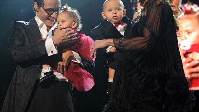 Jennifer Lopez, Marc Anthony si gemenii