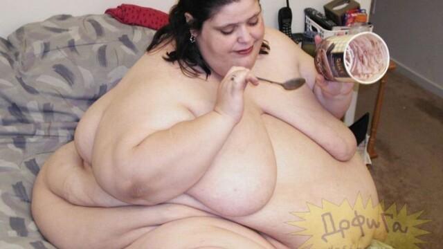 MINTE BOLNAVA! A indopat-o pana a ajuns la sute de kg, ca sa faca sex cu ea - Imaginea 1