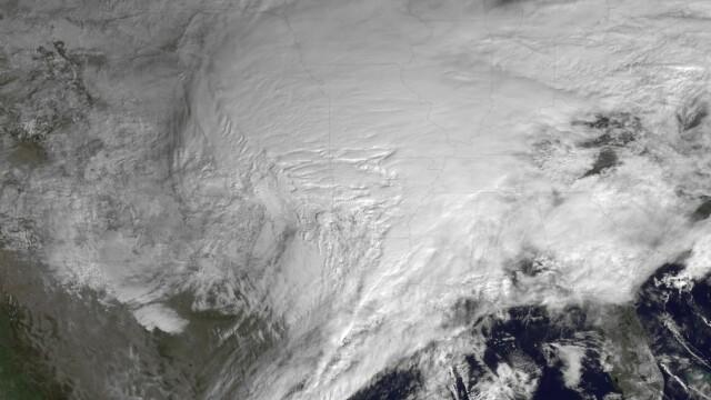 Cea mai puternica furtuna de zapada vazuta din spatiu. Imagini incredibile - Imaginea 3