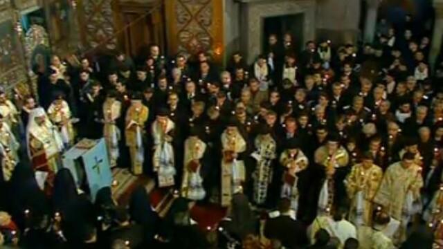 Mii de oameni au participat la inmormantarea IPS Bartolomeu Anania. Video - Imaginea 21