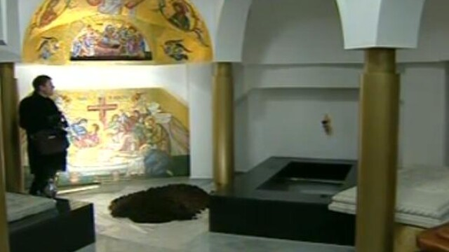 Mii de oameni au participat la inmormantarea IPS Bartolomeu Anania. Video - Imaginea 28