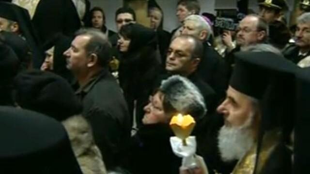 Mii de oameni au participat la inmormantarea IPS Bartolomeu Anania. Video - Imaginea 31