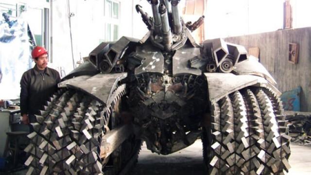 Un fierar chinez l-a adus la viata pe Megatron din Transformers 2. FOTO - Imaginea 8