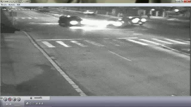 Trei masini s-au lovit ca niste bile de biliard intr-o intersectie din Buzau