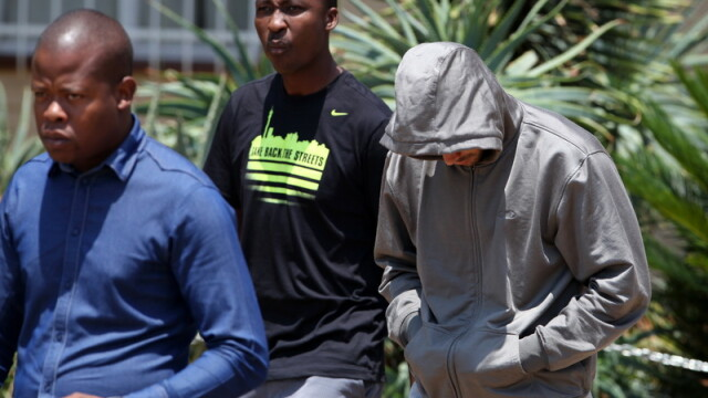 Cazul Oscar Pistorius: Impuscaturi la 3 dimineata, 10 minute de liniste si apoi iar impuscaturi - Imaginea 3