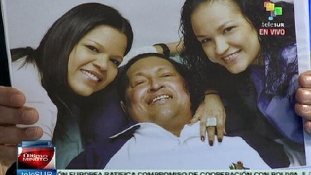 Guvernul din Venezuela a difuzat primele imagini cu Hugo Chavez pe patul de spital - Imaginea 1