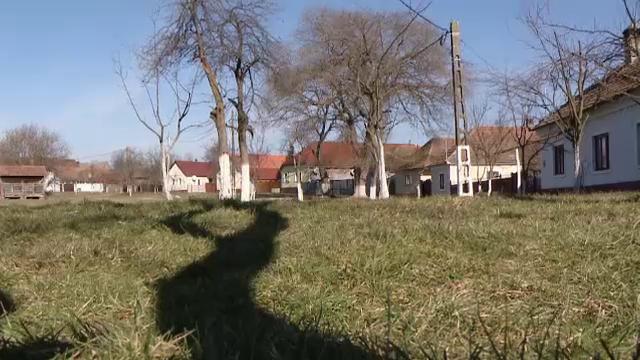 Cum arata singurul sat sub forma de cerc din Romania. Ministerul Culturii l-a declarat sit istoric - Imaginea 5