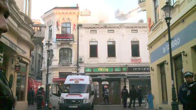 Un restaurant din Centrul Vechi al Capitalei, cuprins de un incendiu. Reteaua electrica veche ar putea fi de vina