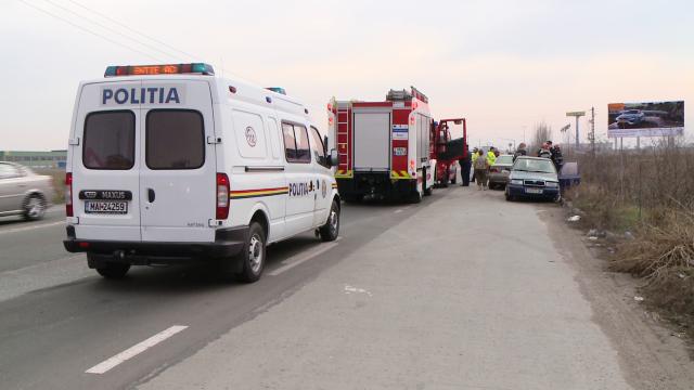 Accident pe Calea Sagului, la Timisoara. Trei masini s-au ciocnit violent, nici o persoana nu a fost ranita - Imaginea 6