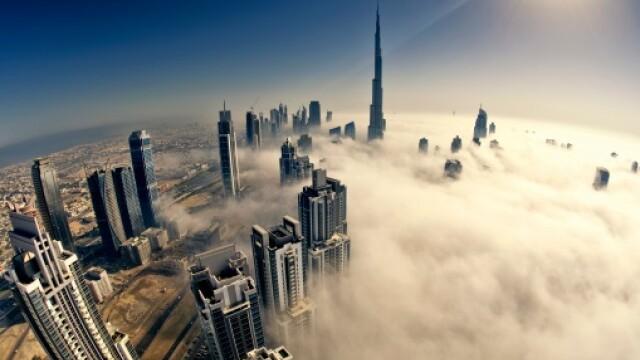 Fenomenul care are loc doar de doua ori pe an. Orasul Dubai, in imagini incredibile