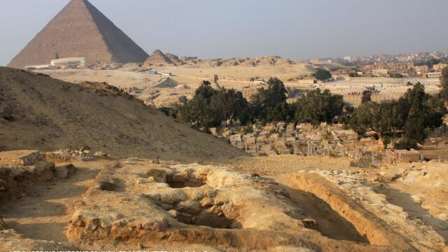 Blestemul faraonilor: vor ajunge la inchisoare pentru ca au incercat sa descopere secretul Marii Piramide